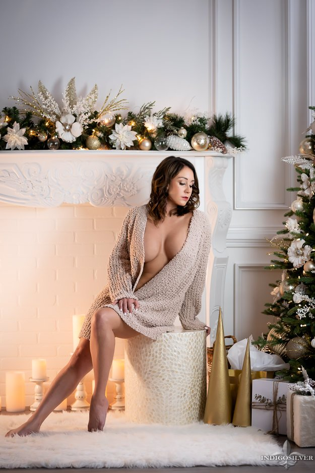 christmas boudoir photo shoot ideas